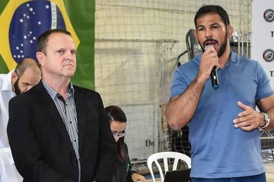 Walter Mattos, presidente da FBJJ, ao lado do diretor da federação, Rodrigo Minotauro. Foto: Flashsport