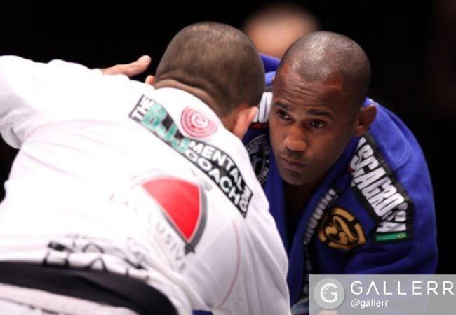 Pass the half-guard with Fernando Tererê's tip