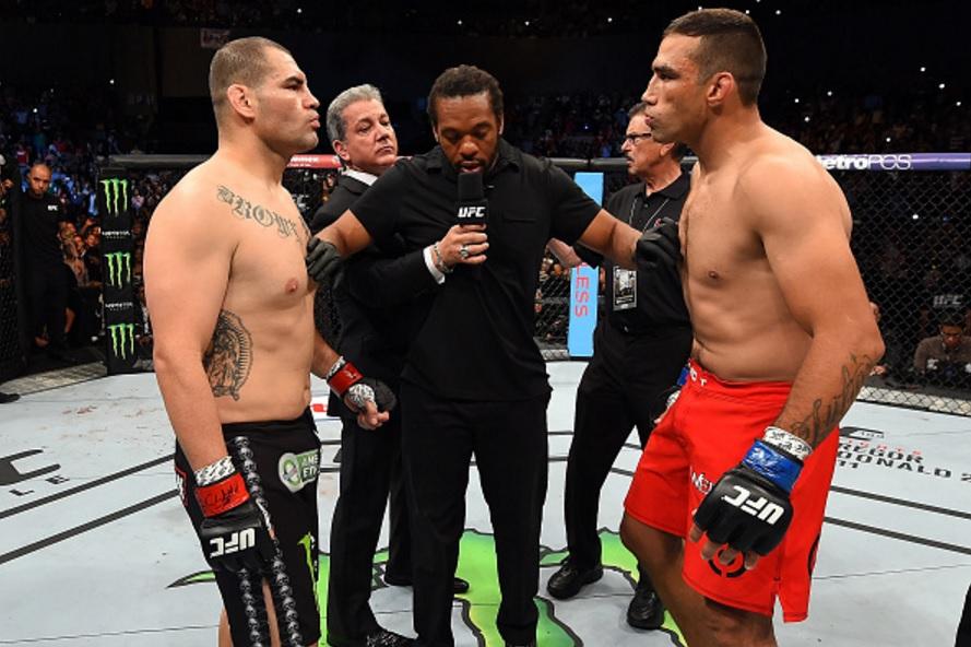 A revanche aguarada entre Velasquez e Werdum terá de esperar. Foto: Josh Hedges/Zuffa LLC via Getty Images