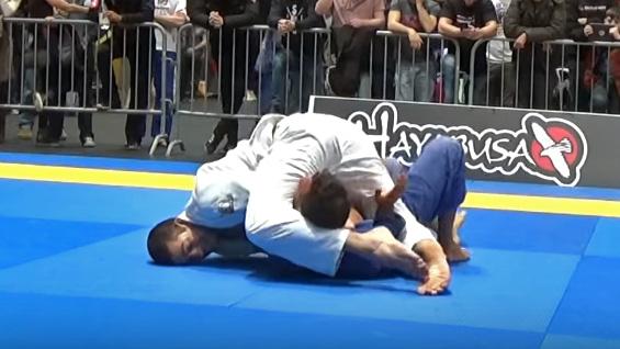Jiu-Jitsu: Confira o belo estrangulamento que valeu ouro no Montreal Open