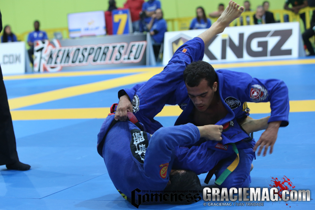Márcio André vs. Paulo Miyao at the 2016 Euro. Ivan Trindade