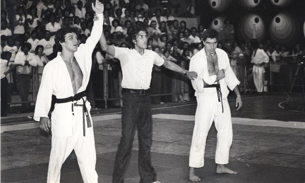 Rolls Gracie vibra ao vencer mais um campeonato de Jiu-Jitsu. Foto: RollsGracie.com
