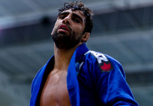 See how Leandro Lo passed guard by crossing the knee at the European BJJ Championship