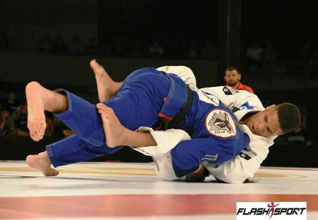 Isaque Bahiense conquista título dos leves na Copa Podio de Jiu-Jitsu