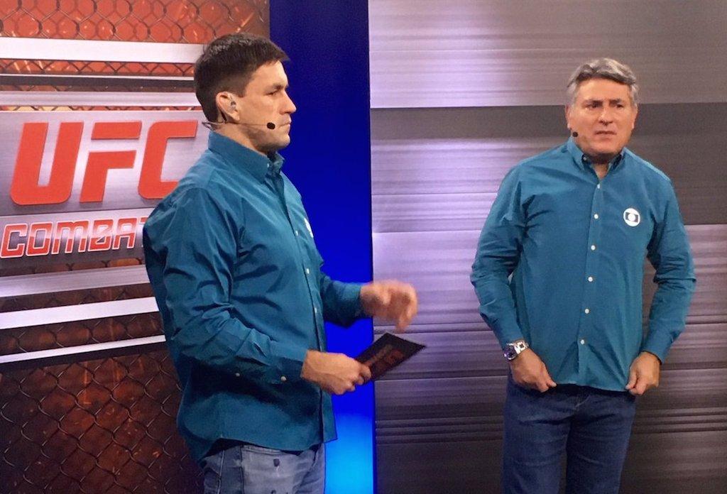 Demian Maia com o narrador Cleber Machado nos estúdios da Globo, durante o UFC 208. Foto: Acervo Pessoal.