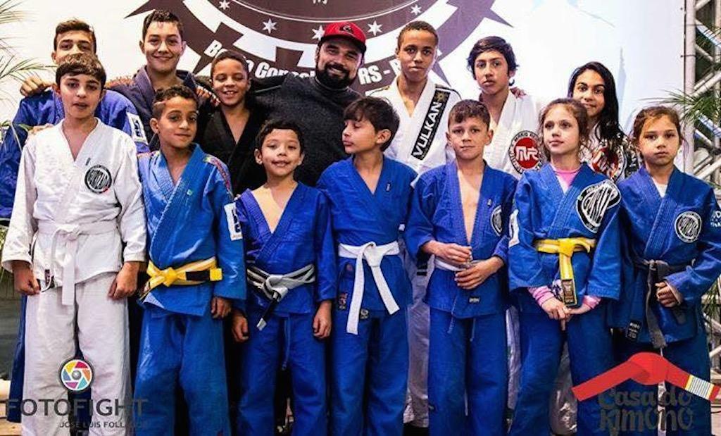 De olho no futuro do Jiu-Jitsu, o projeto Gurizada sonha em levar estas crianças para o maior campeonato da arte suave no país, o Brasileiro em SP. E você pode ajudá-los.