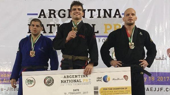 Veja como o faixa-marrom Gustavo Braguinha raspou e venceu Xande Ribeiro