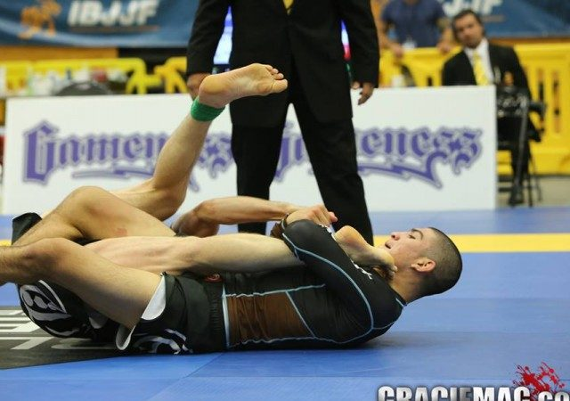Video: The leg lock, the first BJJ lesson a brown-belt should have