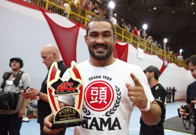Campeão no Jiu-Jitsu, Davi Ramos comenta estreia no UFC contra Serginho Moraes