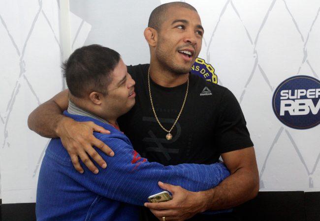José Aldo sobe a favela para divulgar o Jiu-Jitsu entre as crianças