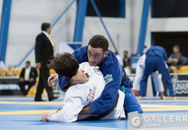 Watch the knee bar that gave Gabriel Arges the win over Otavio Sousa at the ACBJJ GP