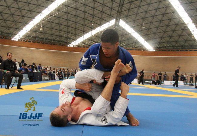 Isaque Bahiense's winning armbar at the Mexico Int'l Open