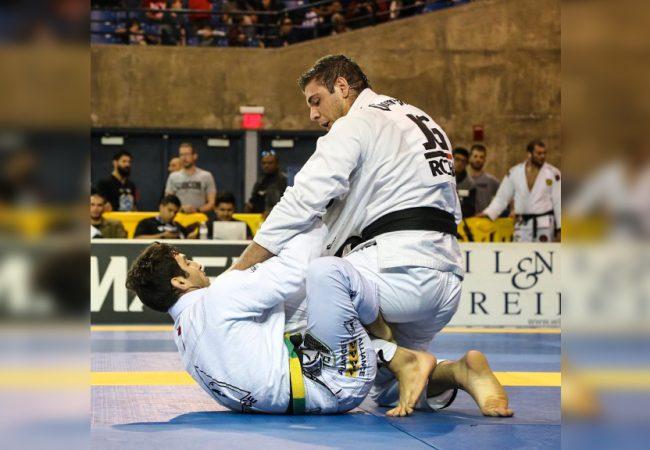 A passagem de guarda de João Gabriel Rocha que brilhou no Pan de Jiu-Jitsu