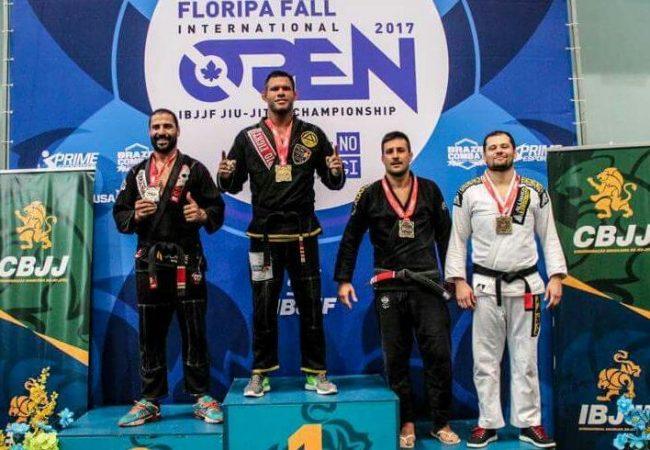 Jiu-Jitsu: Ajuste o estrangulamento cruzado na dica do GMI Rafael BBzão