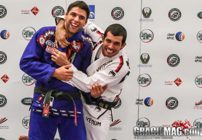 Rodolfo Vieira com o amigo Marcus Buchecha, agora penta mundial absoluto. Foto: Ivan Trindade