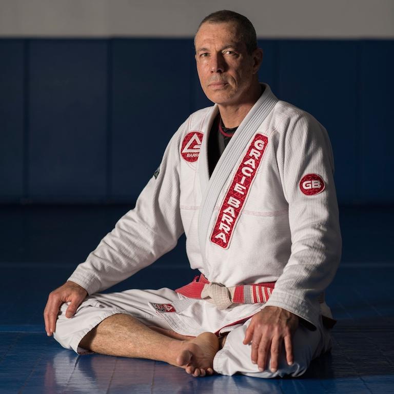 Carlos Gracie Jr com sua faixa vermelho-e-branca. Foto: Gallerr.com