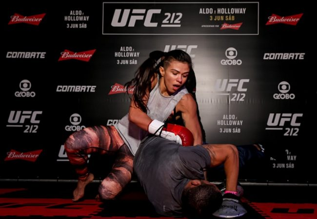 O Jiu-Jitsu de José Aldo e Claudinha Gadelha no treino aberto do UFC Rio