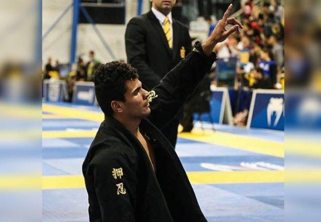 Mundial de Jiu-Jitsu: Rudson Matheus fatura ouro duplo na faixa-marrom