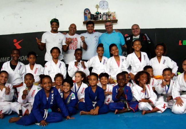 Jovem supera perigos de favela carioca para lutar Mundial de Jiu-Jitsu nos EUA