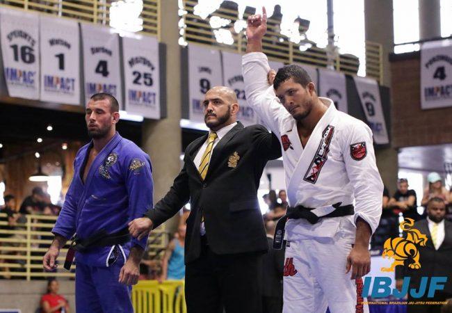 Vídeo: Lucas Hulk e suas vitórias de ouro no Campeonato Americano de Jiu-Jitsu