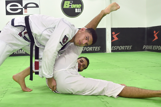 "Mahamed Aly teaches the ""ballerina"" guard pass"