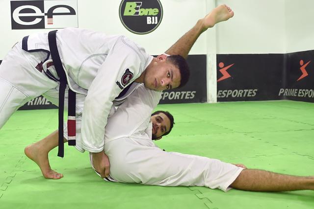 Jiu-Jitsu: Mahamed Aly ensina sua progressão favorita para a passagem de guarda