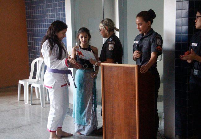 Viúva de policial faixa-preta encontra no Jiu-Jitsu a força para seguir em frente