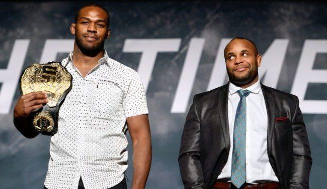 Jon Jones falha em novo exame, e Daniel Cormier recupera cinturão do UFC