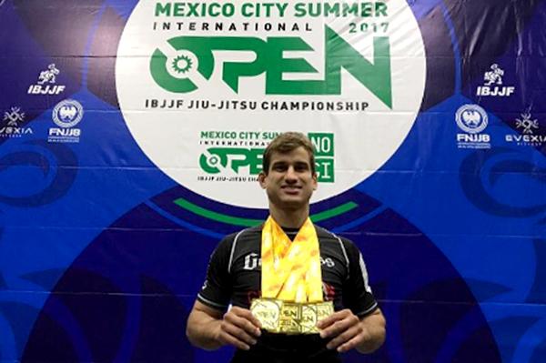 Como um peso-pena dominou o absoluto do Mexico Open de Jiu-Jitsu? Queixinho explica