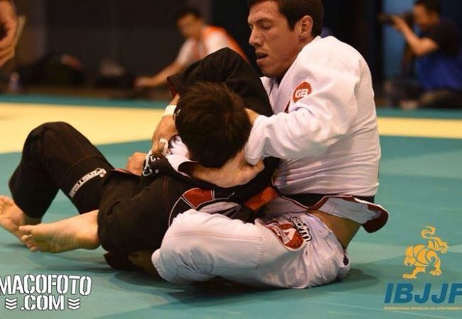Video: the ezequiel that gave Kayron Gracie the gold