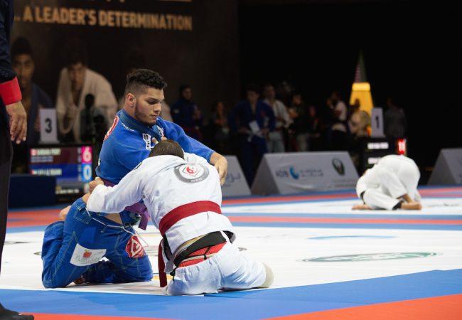 faixa roxa Kelvin Clay lutando em Abu Dhabi Foto de Marko Nyman