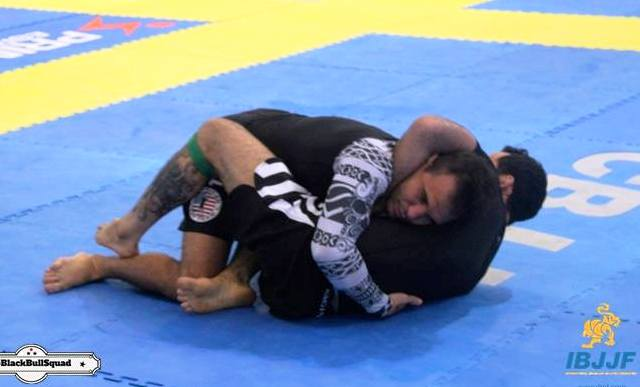 Video: the guillotine that put a UFC athlete to sleep at the No-Gi Brazilian Nationals