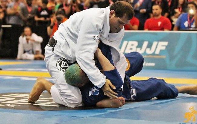 BJJ: Roger Gracie and a back-take defense leading to a finish