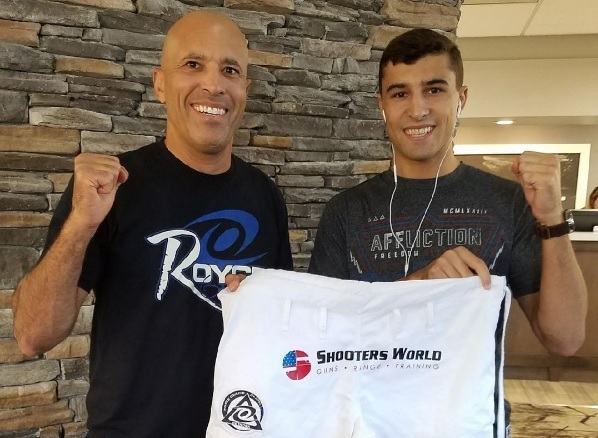 Khonry Gracie, Royce's son, uses BJJ to successfully debut in MMA