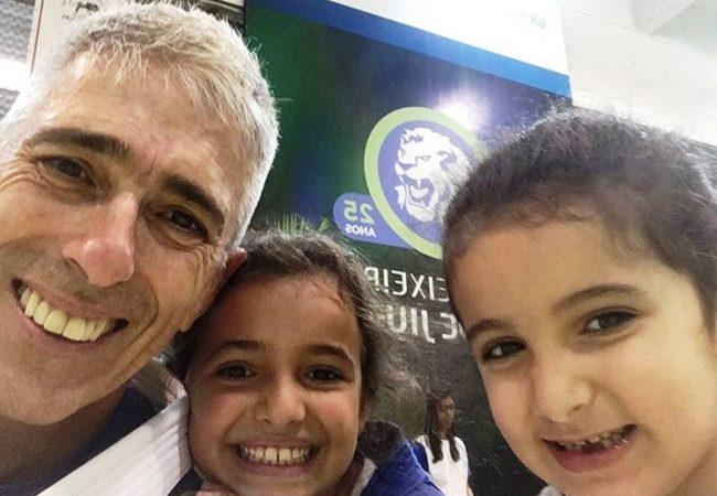 Mestre Zé Beleza reúne pais e alunos na graduação da GMI Escola de Jiu-Jitsu Leão Teixeira