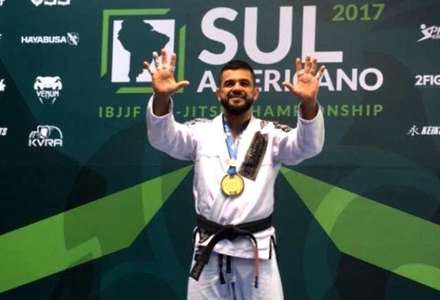 Vinicius Magoo vibra com 10° título seguido do Sul-Americano de Jiu-Jitsu