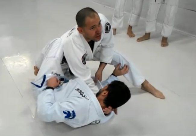 Jiu-Jitsu: Carlos Russo ensina estrangulamento da meia-guarda na GMI X-Coach