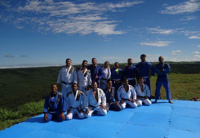 A importância do treino de Jiu-Jitsu ao ar livre, com o professor GMI Robson Alencar