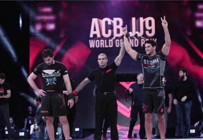 Jiu-Jitsu: A guilhotina campeã de Felipe Preguiça no ACBJJ 9