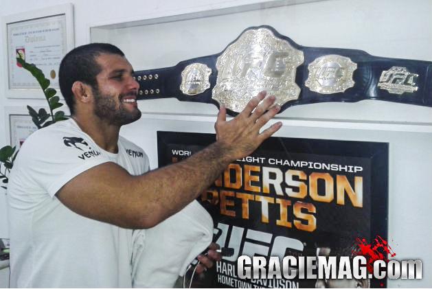 Rodolfo Vieira é contratado pelo UFC e vai estrear em agosto, no Uruguai