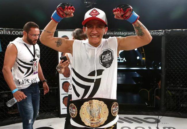 Virna Jandiroba fatura cinturão do Invicta FC e mantém cartel perfeito no MMA