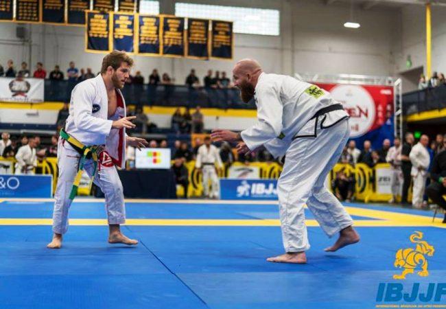 Vídeo: Peso leve, AJ Agazarm vence no pesadíssimo do Denver Open de Jiu-Jitsu