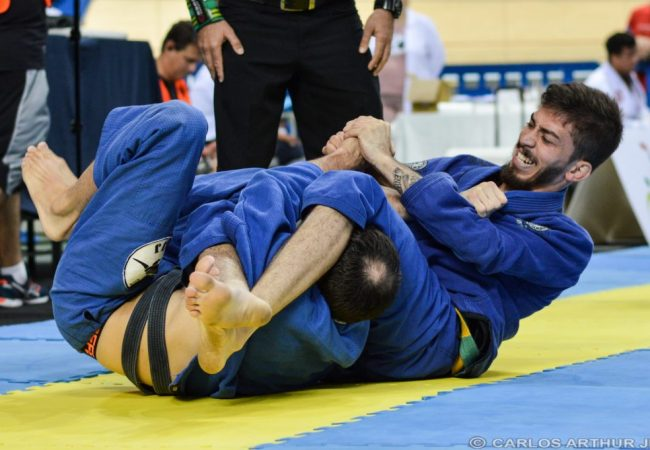 José Carlos Cocó's armbar at the Rio Open