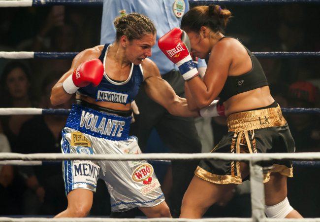 Brasileira Rose Volante defende cinturão mundial de boxe em São Paulo