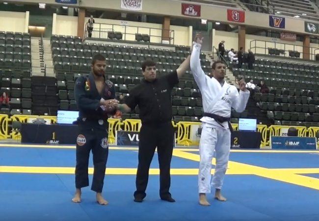 Gutemberg Pereira e seu armlock campeão sobre Horlando Monteiro no absoluto do Chicago Open