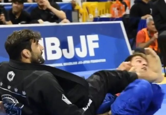 The foot lock that disqualified Leandro Lo's round-1 opponent