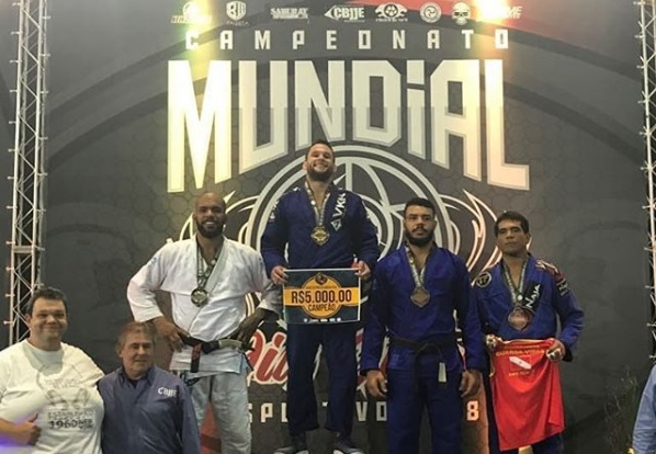 Video: Erberth Santos falls ill, loses CBJJE absolute final