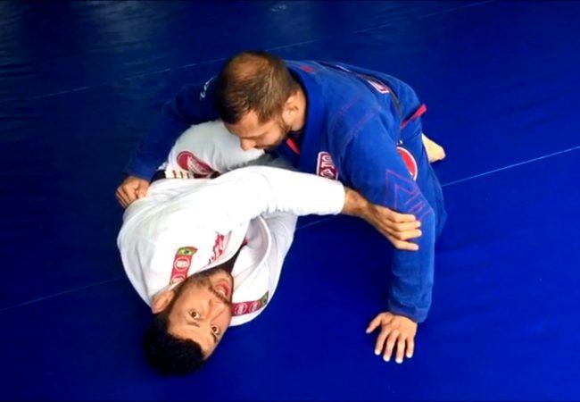 Claudio Caloquinha ensina kimura partindo da meia-guarda no Jiu-Jitsu
