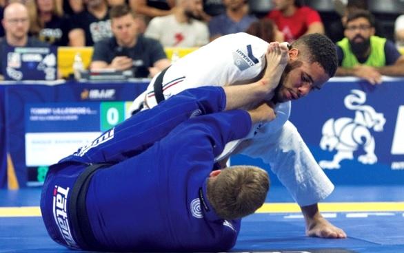 A inesquecível lição de gratidão do campeão mundial de Jiu-Jitsu Isaque Bahiense