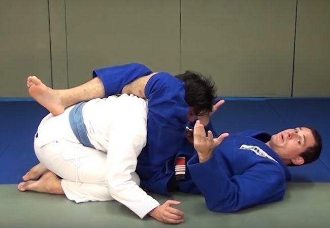 Vídeo: Roger Gracie ensina o ajuste para um triângulo perfeito no Jiu-Jitsu